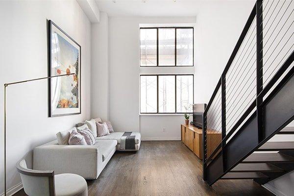 Bilocale su due piani nel West Village