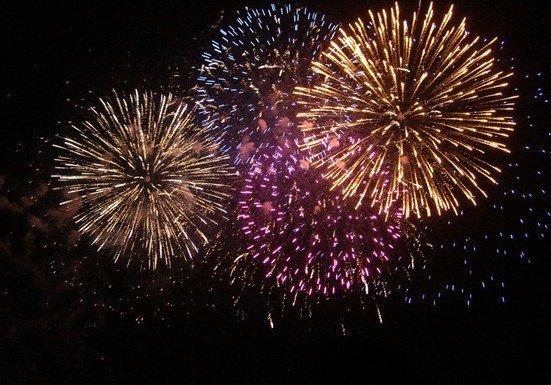 I fuochi d'artificio cambiano sponda